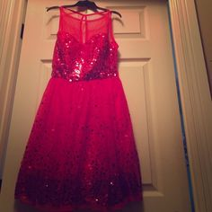 Never worn. Red sparkly dress  It is sz XL and comes to above knees.. So fancy and fun! Dresses Midi
