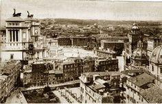 Piazza Venezia e Foro di Traiano, isolato di via del Foro di Traiano prima delle demolizioni, dalla Torre delle Milizie