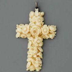 Antique Victorian Ivory Pendant.٠•●●♥♥❤ஜ۩۞۩ஜ.    ๑෴@EstellaSeraphim ෴๑         ˚̩̥̩̥✧̊́˚̩̥̩̥✧@EstellaSeraphim  ˚̩̥̩̥✧̥̊́͠✦̖̱̩̥̊̎̍̀✧✦̖̱̩̥̊̎̍̀ஜ۩۞۩ஜ❤♥♥●
