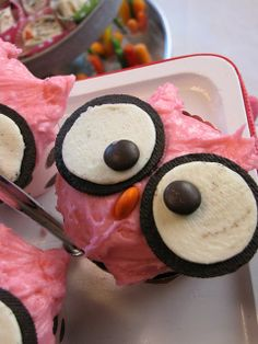 Chocolates for breakfast: Night Owl Slumber Party. What a cute cup cake idea. Oreo's and smarties!!!!