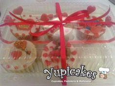 La mejor manera de expresar tus sentimientos a la persona especial que llena tu corazon, con sabor, de Yupicakes