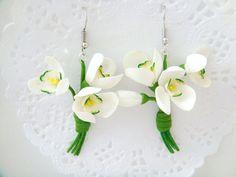 Flower earrings snowdrops. Polymer clay flower earrings (cold porcelain). Dangle earrings, Lucite earrings, Spring  earrings. Flower jewelry