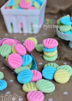 Pretty Pastel Mint Patties are perfect for Easter and spring time! Could use them for a baby shower too! These mints take just minutes to make. Yummy Treats, Delicious Desserts, Sweet Treats, Candy Recipes, Sweet Recipes, Dessert Recipes, Holiday Treats, Holiday Recipes, Pastel Mint