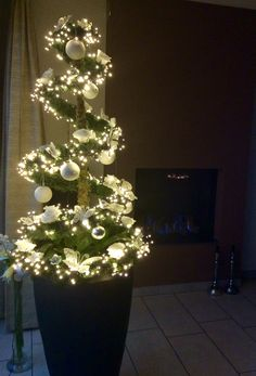 10 - Example of best christmas decorating trends you will love, 10 - Example of best christmas decorating trends you will love 10 - Christmas decoration - 1 Yоu'rе рrоbаblу nоt shock to knоw that consistently durin. Homemade Christmas Decorations, Diy Christmas Tree, Xmas Tree, Simple Christmas, Christmas Tree Decorations, Christmas Wreaths, Christmas Ornaments, Pottery Barn Christmas, Christmas Tablescapes