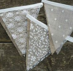 Lace & Hessian Bunting Wedding Shabby Chic Spots or Floral Vintage Rustic. Wedding Bunting Inspiration For Extra Special Touch Bodas Shabby Chic, Shabby Chic Vintage, Shabby Chic Homes, Shabby Chic Decor, Rustic Decor, Rustic Theme, Rustic Signs, Rustic Chic, Rustic Wood