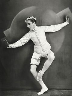 Massine studied at the Moscow Bolshoi School , graduated in 1912 and joined the Bolshoi Ballet. When Diaghilev fired Nijinsky, a void was l. Ballet Boys, Ballet Class, Ballet Dancers, History Of Dance, Vintage Ballet, Dance Legend, Nureyev, Russian Ballet, Ballet Fashion