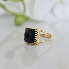 square gold ring,onyx ring,black ring,prong ring,gemstone ring,black and gold jewelry,faceted black ring