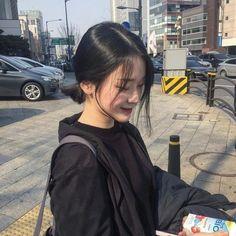 Ulzzang Korean Girl, Cute Korean Girl, Asian Girl, Ulzzang Short Hair, Icon Girl, Japonese Girl, Korean Photo, Shot Hair Styles, Korean Aesthetic