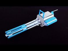 How To Make a Paper Minigun (Paper Gatling Gun) Cool Paper Crafts, Paper Crafts Origami, Fun Crafts, Oragami, Cardboard Crafts, Armas Ninja, Origami Weapons, How To Make Traps, Hot Toys Iron Man