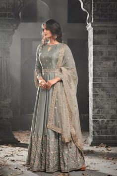 Looking to buy Anarkali online? ✓ Buy the latest designer Anarkali suits at Lashkaraa, with a variety of long Anarkali suits, party wear & Anarkali dresses! Indian Gowns Dresses, Pakistani Bridal Dresses, Indian Fashion Dresses, Pakistani Dress Design, Indian Designer Outfits, Abaya Fashion, Designer Dresses, Bridal Anarkali Suits, Anarkali Suits With Price