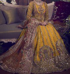 Bridal Mehndi Dresses, Mehendi Outfits, Pakistani Wedding Outfits, Pakistani Wedding Dresses, Pakistani Dress Design, Bridal Outfits, Indian Dresses, Fancy Dress Design, Bridal Dress Design