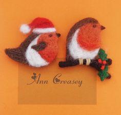 Needle Felted Christmas Robin Brooch x 1 - Handmade Christmas Gift