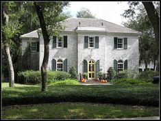 I love whitewashed bricks by FL Architect Fan, via Flickr