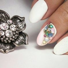 Photo Swarovski Nails, Gemstone Rings, Gemstones, Beauty, Jewelry, Jewlery, Gems, Jewerly, Schmuck