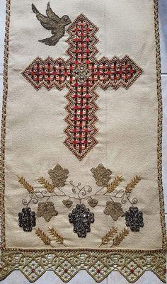 Gold Work, Bohemian Rug, Cross Stitch, Embroidery, Lace, Decor, Needlepoint, Punto De Cruz, Decoration