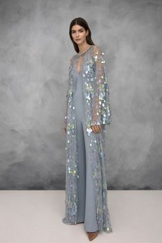 Jenny Packham Resort 2019 London Collection - Vogue # Fashion dresses Jenny Packham Resort 2019 Fashion Show Vogue Fashion, Fashion 2018, Fashion Show, Fashion Dresses, Womens Fashion, Casual Dresses, Jenny Packham, Style Couture, Couture Fashion
