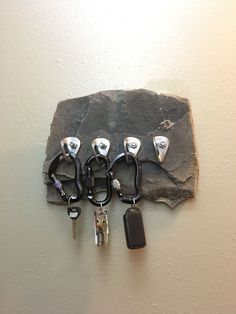 Rock Climbing Anchor Key Holder - New Deko Sites Kids Rock Climbing, Rock Climbing Workout, Escalade, Diy For Kids, Home And Living, Decoration, Home Improvement, House Design, How To Make
