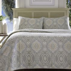 Tommy Bahama Turtle Cove Pelican Gray Quilt Set