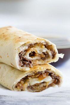 French Dip Tortilla Roll Ups – Easy Summer Dinner Idea – Taste and Tell French Dip Tortilla Roll Ups – Easy Summer Dinner Idea – Taste and Tell,Fingerfood Rezepte Fast and easy – these. Sandwich Bar, Roast Beef Sandwich, Sliced Roast Beef, Sandwhich Roll Ups, Roast Beef Roll Ups, Mexican Sandwich, Sandwich Ideas, Sandwich Recipes, Tostadas