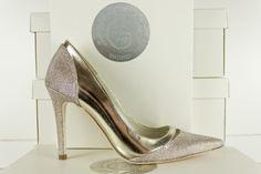 #zapato #stiletto super #fashion y #original con #combinacion de #tejidos #fantasia para pala, trasero y #tacones y #piel #metalizada para laterales #moda #madeinspain #calzado #artesanal BUY//COMPRAR: www.jorgelarranaga.com/es/home/350-392.html