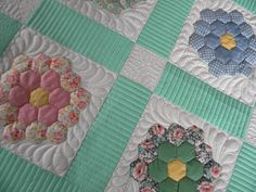 Sew Kind Of Wonderful: Annette's Hexagon Quilt #1