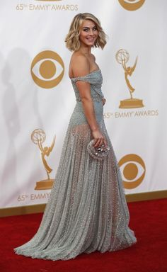 Julianne Hough in a Jenny Packham gown at the 2013 Emmy Awards