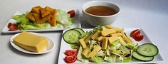 *** Shan Tofu *** Heute habe ich eine weitere Bereicherung des veganen und vegetarischen Speiseplans für euch. Es handelt sich um einen Tofu, der nicht aus Soja, sondern aus Besan, einem Mehl aus Kichererbsen, hergestellt wird.