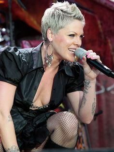 Pink's 'Raise Your Glass' Video Celebrates Gay Marriage Pixie Hairstyles, Pretty Hairstyles, Natural Hair Styles, Short Hair Styles, Hair Brained, Going Gray, Celebs, Celebrities, Silver Hair