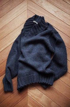 [ AURALEE ] SUPER FINE WOOL AIRY KNIT V-NECK P/O V Neck, Pullover, Wool, Knitting, Sweaters, Fashion, Moda, Tricot, Fashion Styles