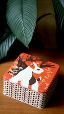 Fyrkantig kakburk med foxterrier - Design John Hanna
