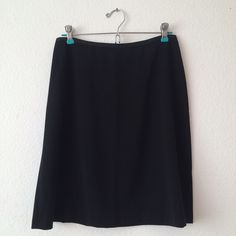Black skirt Zipper on back. REASONABLE OFFERS ACCEPTED Banana Republic Skirts Midi