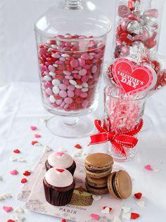 Valentine Cupcakes & Macarons, via Flickr.
