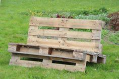 pallet sofa - http://blog.brinja.dk/pallet-sofa/