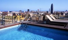 Hotel Catalonia Atenas in Barcelona - Pool in the roof with beautiful sights