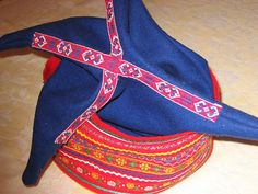 jpg or The Four Winds hat (in Sami čiehgahpir) is one… History Of Norway, Braid Patterns, Hat For Man, Scottish Tartans, Red Band, Fashion Articles, Beautiful Patterns, Traditional Outfits, Finland