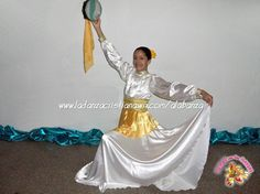 "Vestuario de Danza Cristiana (Praise Dance Costume). DEMOS con las DANZAS (Salmo 149:3) / GIVE with DANCES (Psalm 149:3) / VENEZUELA / (Hermana Angela Rojas). WEBSITE: http://www.ladanzacristiana.wix.com/alabanza ""ÚNETE"" a DEMOS con las DANZAS en Facebook, Twitter, YouTube, Instagram, Pinterest, Google +). Other Tags: Praise dresses, Hebrew dance dresses, Praise Dance, Danza Cristiana, Demos con las Danzas, Instrumentos de Danza Cristiana."