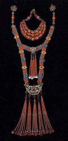 Mongolian jewellery, from mongoliansecrethistory.mn.