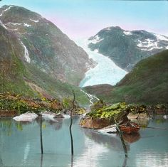 These psychedelic old photos lured tourists to Norway Norway Fjords, Norway Travel, European Countries, Bergen, Vintage Images, Old Photos, Psychedelic, Scandinavian, Tourism