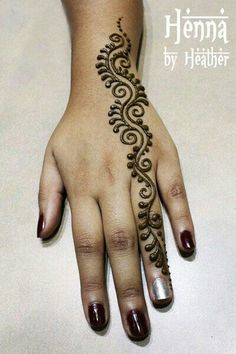 Explore latest Mehndi Designs images in 2019 on Happy Shappy. Mehendi design is also known as the heena design or henna patterns worldwide. We are here with the best mehndi designs images from worldwide. Henna Tatoos, Henna Ink, Henna Body Art, Arm Tattoo, Tattoo Art, Mandala Tattoo, Henna Style Tattoos, Paisley Tattoos, Mehndi Designs For Beginners