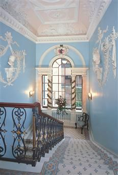 The interiors of the grand houses during the Regency were large, ornate, and elegantly decorated, like the staircase at Fairfax House, York, UK. fairfaxhouse.co.uk