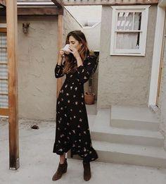 Trend Wickelkleid – Kleid Umschlag – Sommer Mode Ideen Trend wrap dress – dress envelope, The post Trend wrap dress –… Mode Outfits, Dress Outfits, Fashion Outfits, Womens Fashion, Fashion Trends, Maxi Dresses, Long Dresses, Dress Long, Wrap Dresses