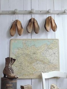 Old shoelasts
