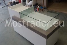 Mostradores | Mostradores - Part 12 Jewellery Display, Jewelry Shop, Seafood Store, Fashion Displays, Partition Design, Display Case, Store Design, Showroom, Counter