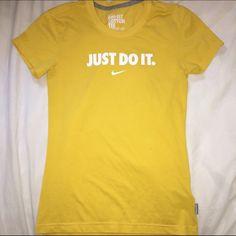 Nike T-Shirt Slim fit. Mustard color. Like new. Nike Tops Tees - Short Sleeve