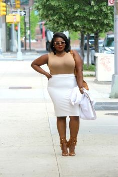 what to wear to work in the summer Fashion Mag, Office Fashion, Curvy Fashion, Plus Size Fashion, Fashion Online, Womens Fashion, White Suits, Full Figured Women, Office Style