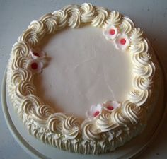Kermakakkua kukilla Birthday Cake, Cakes, Desserts, Food, Tailgate Desserts, Deserts, Cake Makers, Birthday Cakes, Kuchen