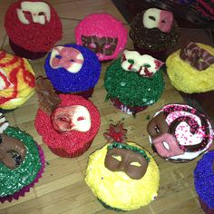Masquerade themed cupcakes