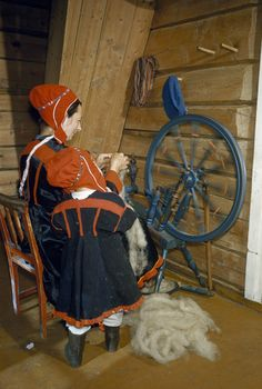 Sámi spinning mother and child, Finland Sápmi Spinning Wool, Spinning Wheels, Finland Culture, Lappland, Antique Sewing Machines, Marimekko, Country Primitive, Art Techniques, Folklore