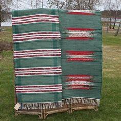 Plockad rag carpet - green-red - Monikas väv och konst