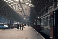Paddington Station in 1976. Photograph by David Ronstance.